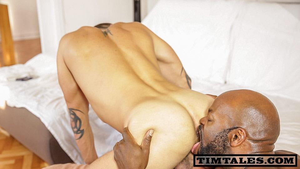 TimTales-Cutler-X-and-David-Avila-Interracial-Big-Black-Cock-Fucking-White-Ass-Amateur-Gay-Porn-02 TimTales: CutlerX and David Avila - Big Black Cock Fucking A Tight Muscle Ass