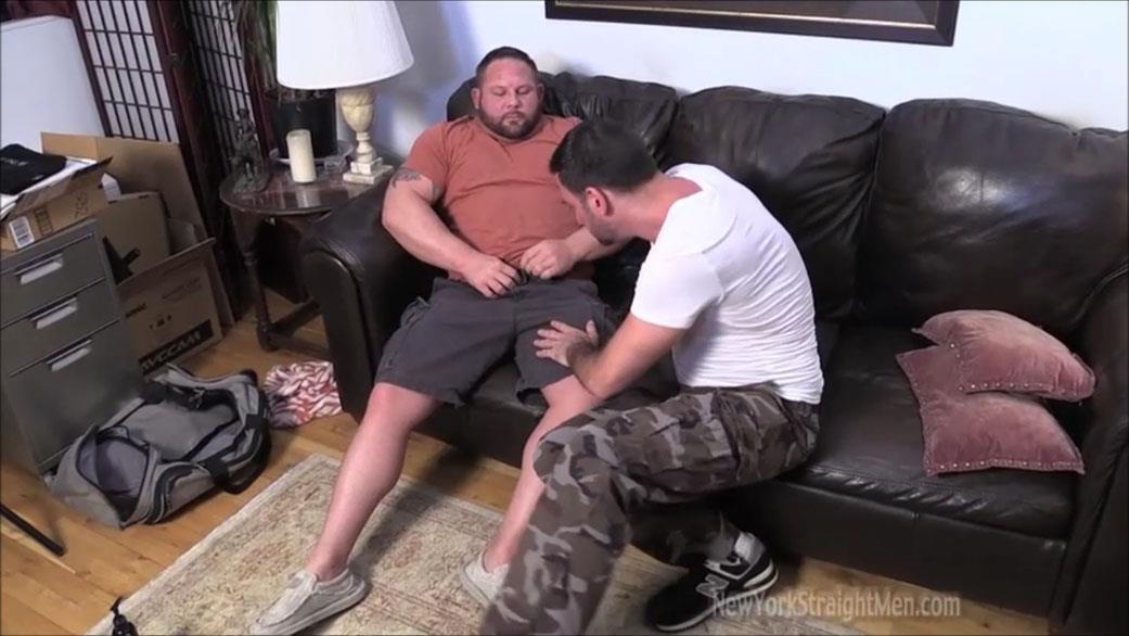New-York-Straightmen-Magnus-Straight-Chubby-Bodybuilder-Getting-Gay-Blowjob-Amateur-Gay-Porn-02.jpg
