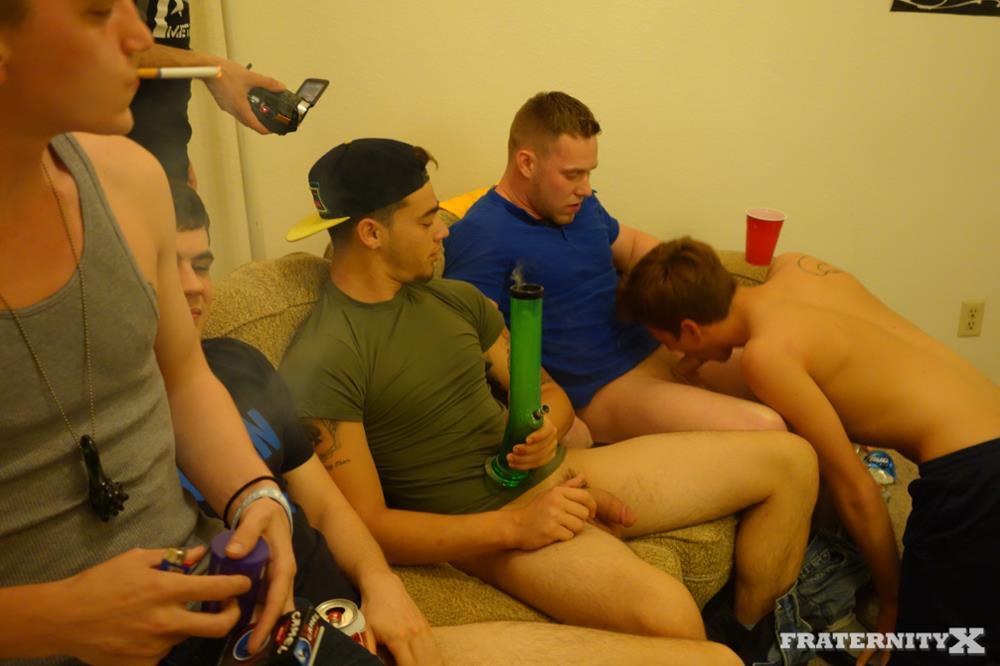 Fraternity-X-Brad-Frat-Guys-With-Big-Cocks-Fucking-Bareback-Amateur-Gay-Porn-02 Stoned and Drunk Frat Guys Bareback Gang Bang A Freshman Ass