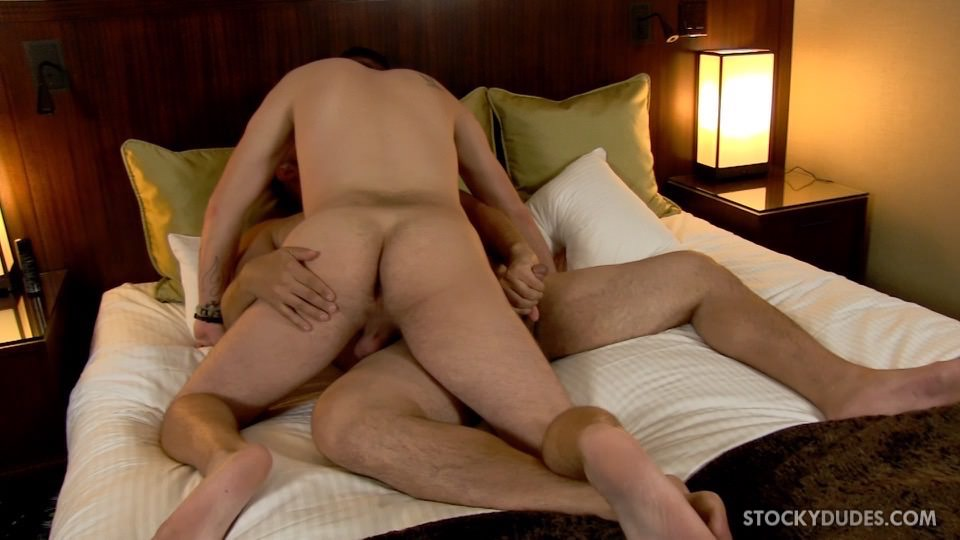Stocky-Dudes-Craig-Cruz-and-Scotty-Chase-Chaser-Sucking-A-Chubby-Guys-Thick-Cock-Amateur-Gay-Porn-11 Horny Chaser Sucking On A Chubby Dudes Thick Cock