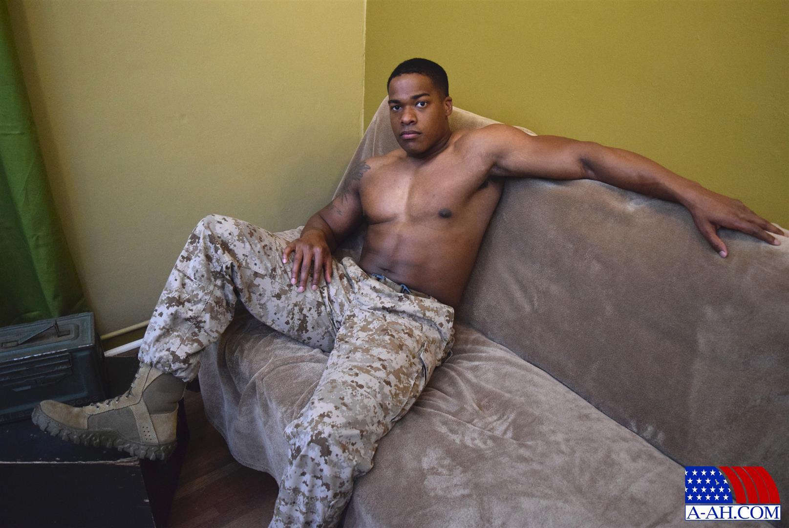 All-American-Heroes-Sean-Muscle-Navy-Petty-Officer-Jerking-Big-Black-Cock-Amateur-Gay-Porn-01.jpg