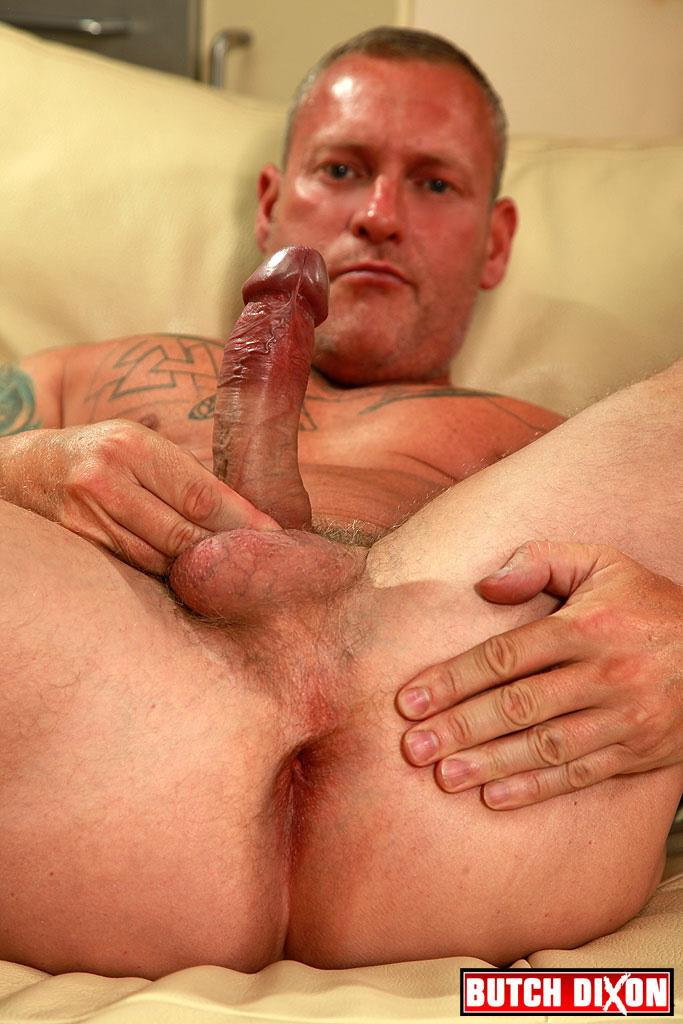 "Butch-Dixon-Big-T-British-Muscle-Daddy-With-A-Big-Uncut-Cock-Amateur-Gay-Porn-13 British Muscle Daddy Jerking Off His Big 9"" Uncut Cock"