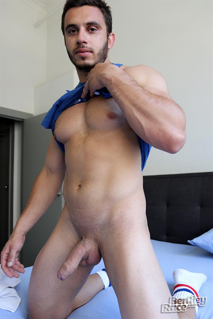 Bentley-Race-James-Nowak-Beefy-Straight-Muscle-Hunk-Jerks-His-Big-Uncut-Cock-Amateur-Gay-Porn-09 Straight Australian Beefy Muscular Guy Strokes His Thick Uncut Cock